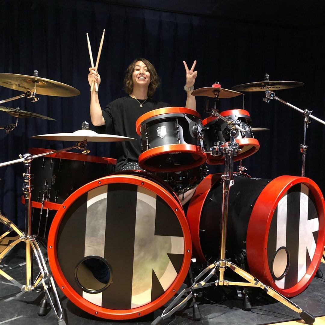 ワンオク Tomoya ドラムセット プレゼント企画【ONE OK ROCK】ファンブログ