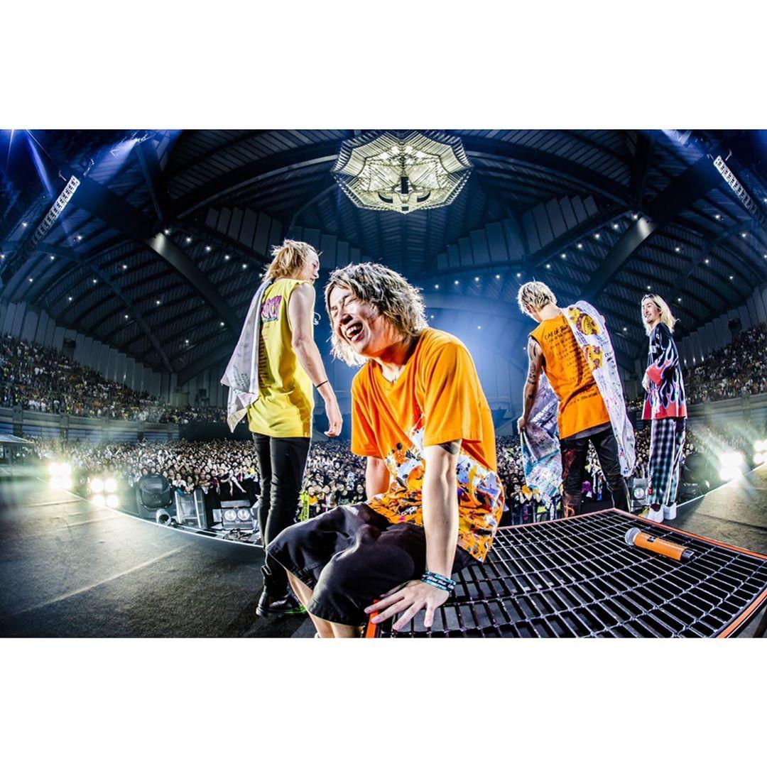 """ワンオク セトリ 沖縄コンベンションセンター展示棟 2日目「ONE OK ROCK 2019-2020""""Eye of the Storm""""JAPAN TOUR」"""